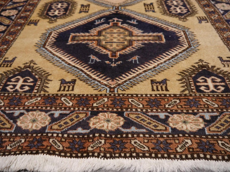 Vintage Turkish East Anatolian Rug In Good Condition For Sale In Lohr, Bavaria, DE