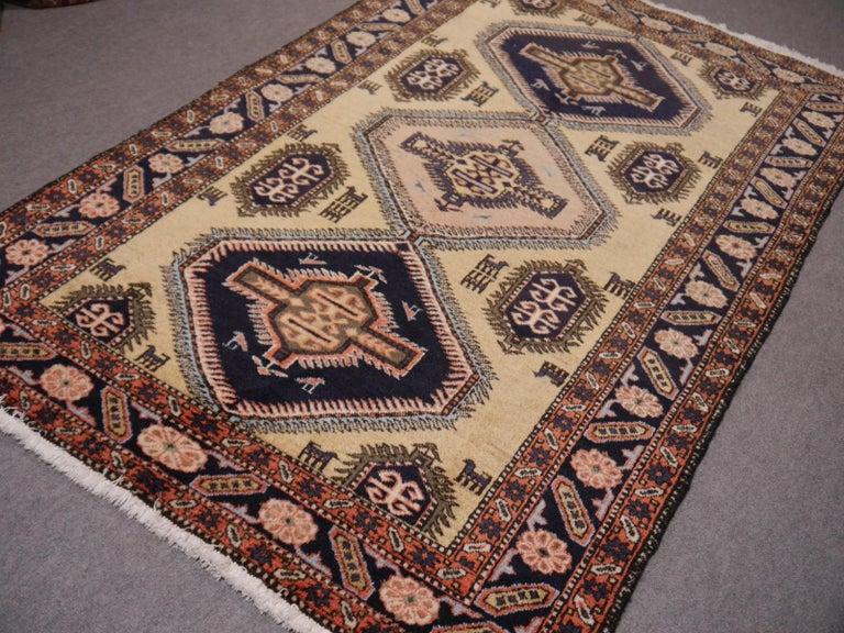 Vintage Turkish East Anatolian Rug For Sale 1