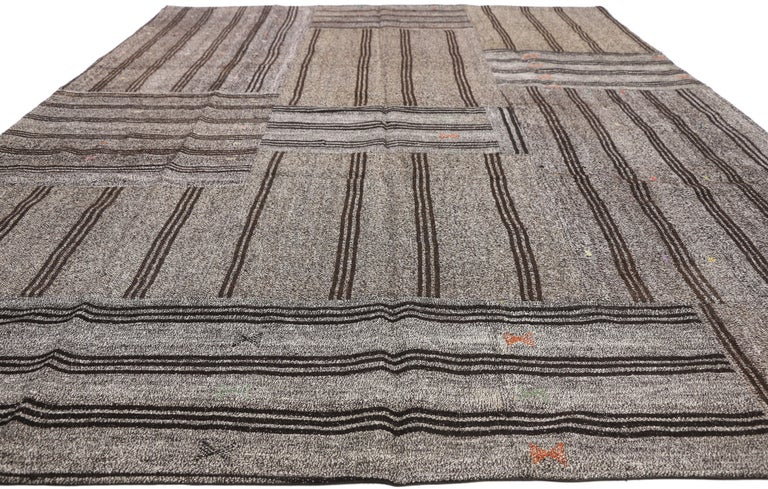 Vintage Turkish Gray Flatweave Kilim Rug with Black Stripes, Flat-weave Rug In Good Condition For Sale In Dallas, TX