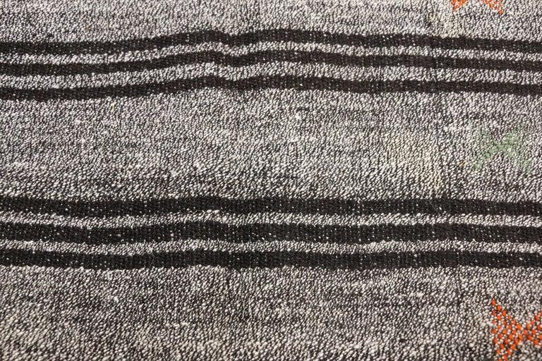 20th Century Vintage Turkish Gray Flatweave Kilim Rug with Black Stripes, Flat-weave Rug For Sale
