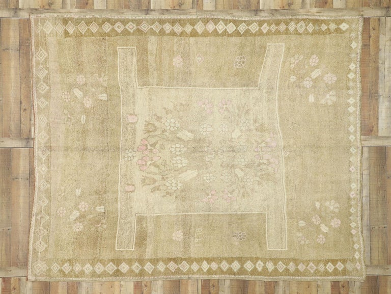 Vintage Turkish Kars Rug with Modern Farmhouse and Romantic Prairie Style For Sale 1
