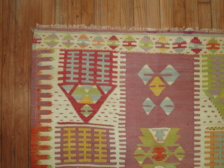Vintage Turkish Kilim  In Excellent Condition For Sale In New York, NY