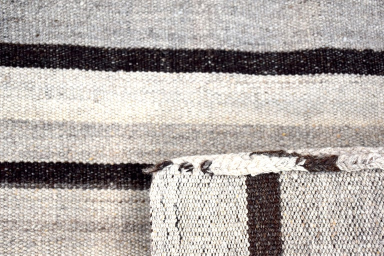 Vintage Turkish Kilim Rug 'Flat-Weave' In Good Condition For Sale In Naples, FL