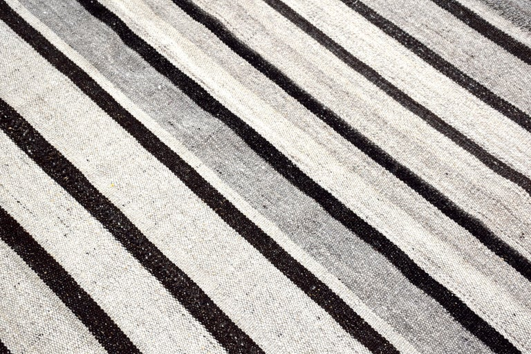 20th Century Vintage Turkish Kilim Rug 'Flat-Weave' For Sale