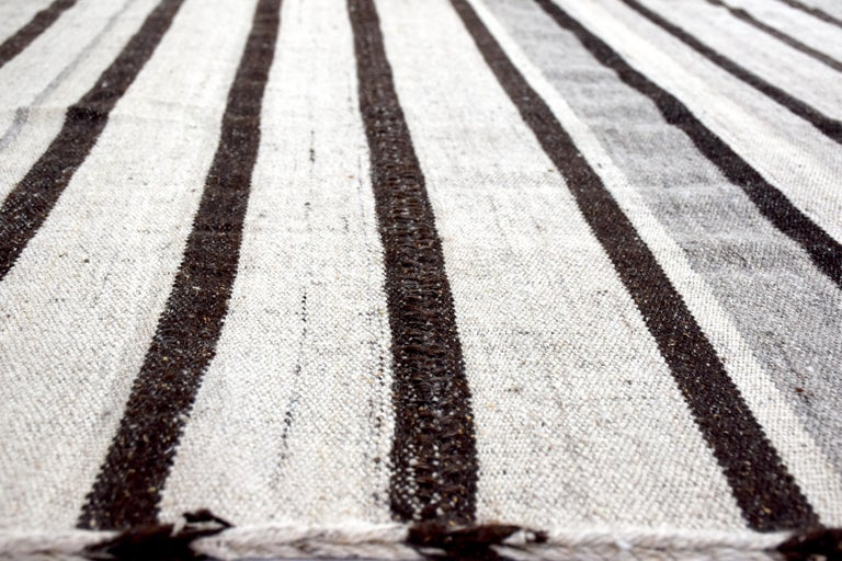 Wool Vintage Turkish Kilim Rug 'Flat-Weave' For Sale