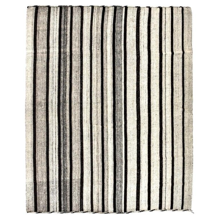 Vintage Turkish Kilim Rug 'Flat-Weave' For Sale