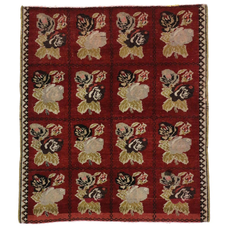 Vintage Turkish Oushak Accent Rug with Farmhouse Style For Sale