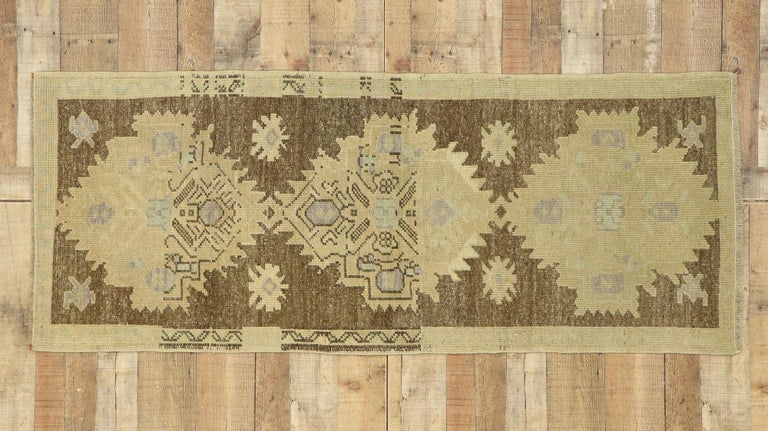 Vintage Turkish Oushak Accent Rug with Rustic Shaker Farmhouse Style For Sale 2