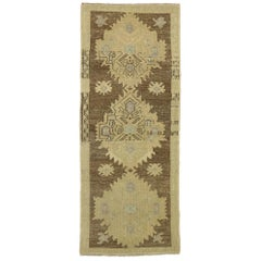 Vintage Turkish Oushak Accent Rug with Rustic Shaker Farmhouse Style