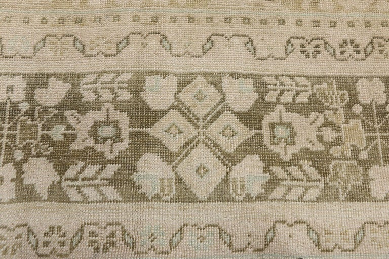 Vintage Turkish Oushak Rug with Swedish Farmhouse and Cottage Style In Good Condition For Sale In Dallas, TX