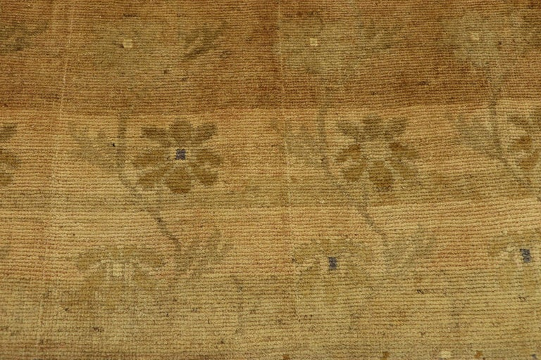 Vintage Turkish Oushak Rug with Swedish Farmhouse Style In Good Condition For Sale In Dallas, TX