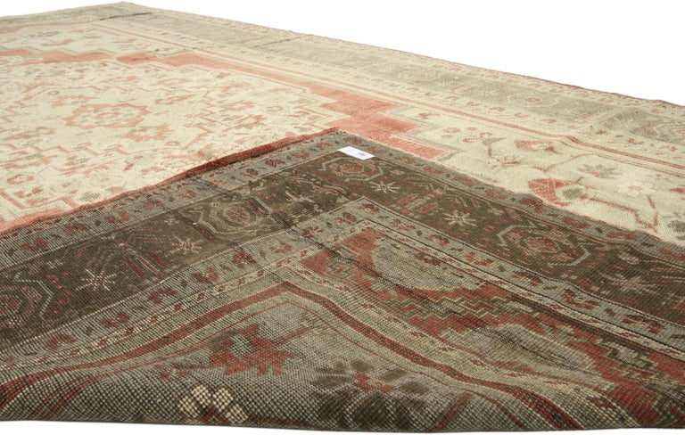 Vintage Turkish Oushak Rug with Tudor Style In Good Condition For Sale In Dallas, TX