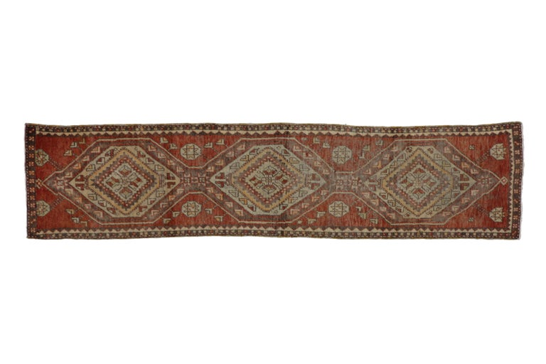 Vintage Turkish Oushak Runner, Narrow Hallway Runner In Good Condition For Sale In Dallas, TX