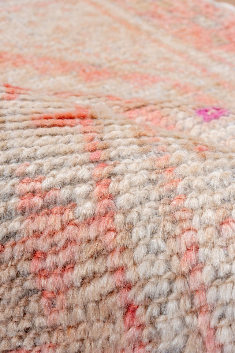 Vintage Turkish Oushak Scatter Rug, Coral and Ivory Field, Pink Accents In Good Condition For Sale In New York, NY