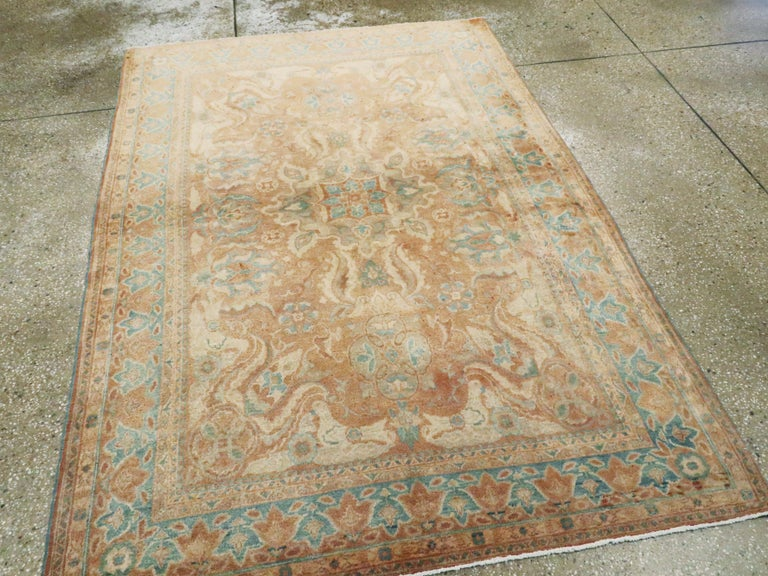Vintage Turkish Sivas Rug In Good Condition For Sale In New York, NY