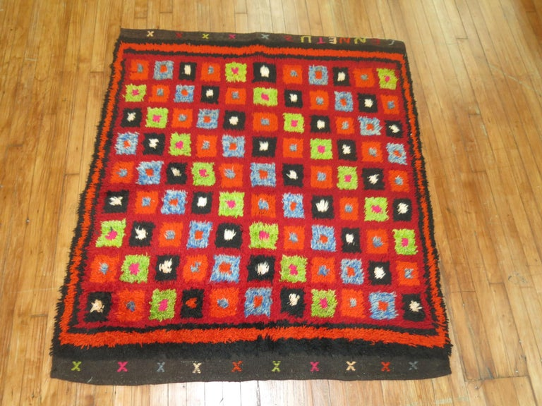Vintage Turkish Tulu Bohemian Rug In Excellent Condition For Sale In New York, NY