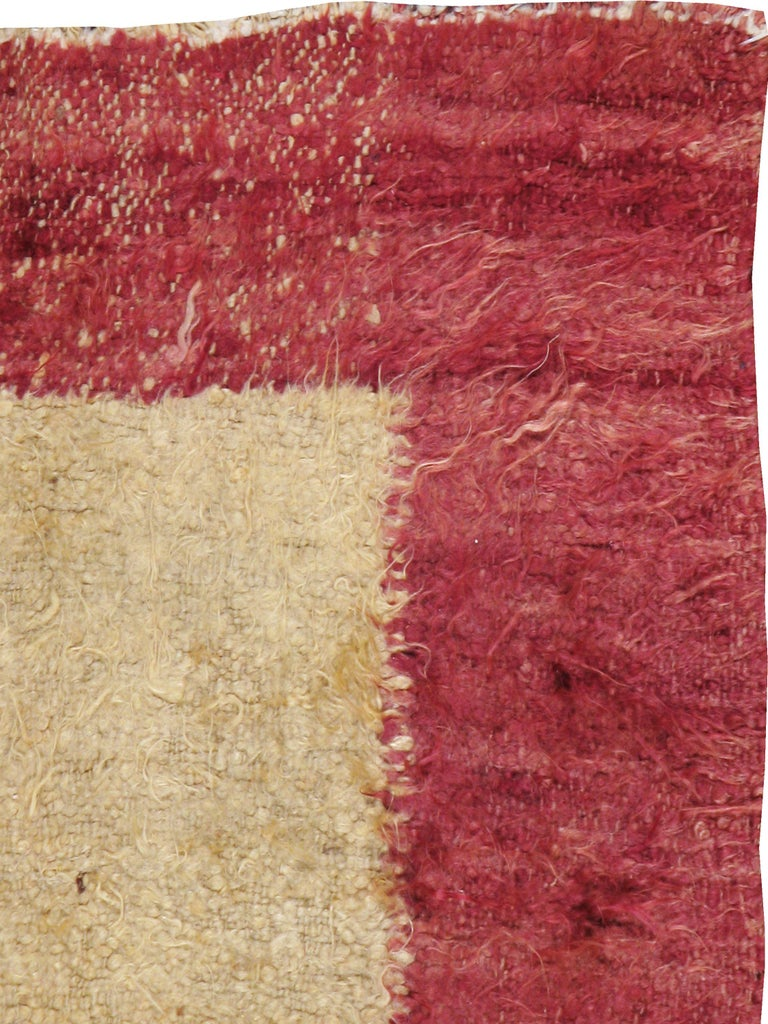Vintage Turkish Tulu Rug In Good Condition For Sale In New York, NY