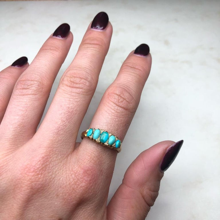 Vintage Turquoise and Diamond Point Five-Stone 18 Carat Ring For Sale 3