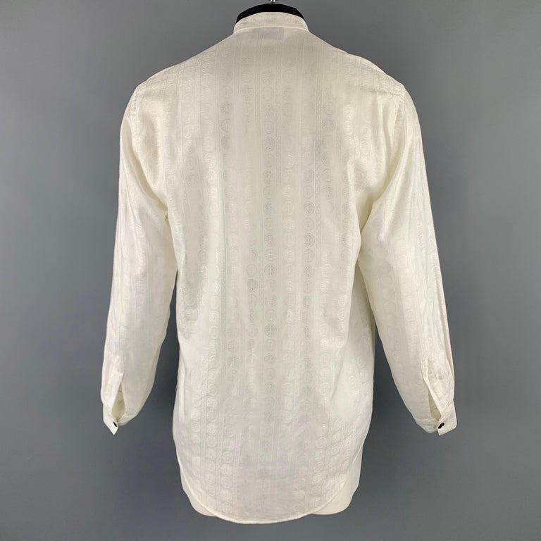 Vintage V2 by VERSACE Size M Cream Textured Cotton / Viscose Long Sleeve Shirt In Good Condition For Sale In San Francisco, CA