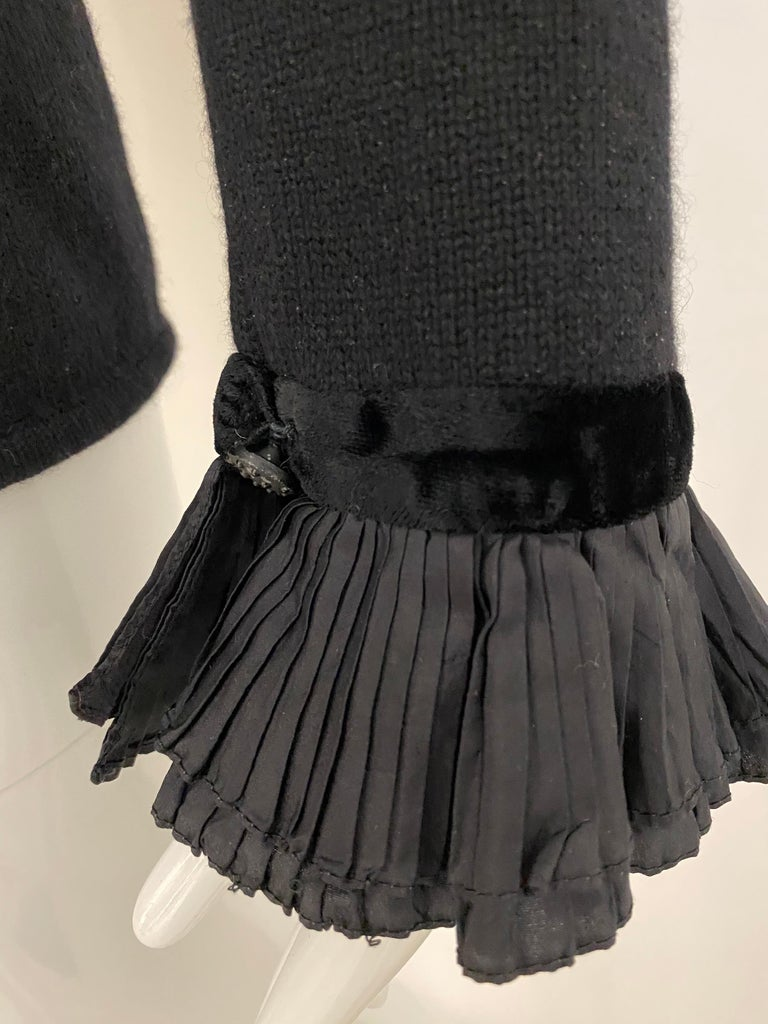 Women's Vintage Valentino Black Cashmere Sweater with Bow For Sale