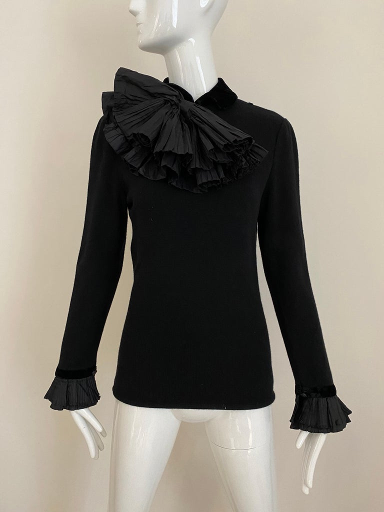 Vintage Valentino Black Cashmere Sweater with Bow For Sale 2