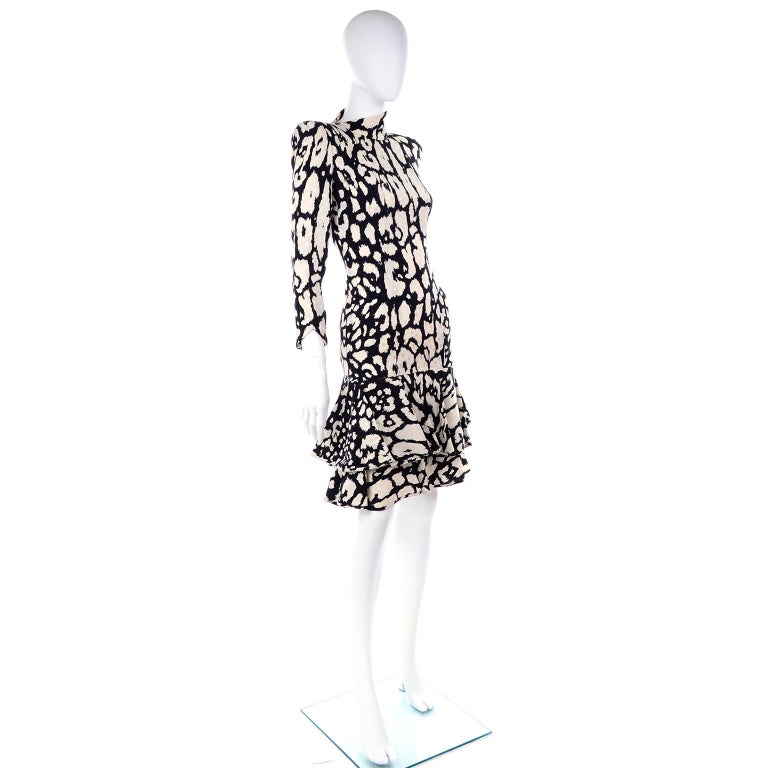 Gray Vintage Valentino Black & White Silk Abstract Print Ruffled Dress For Sale