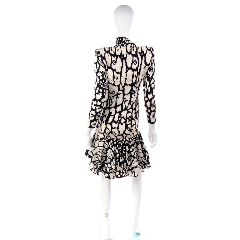 Women's or Men's Vintage Valentino Black & White Silk Abstract Print Ruffled Dress For Sale