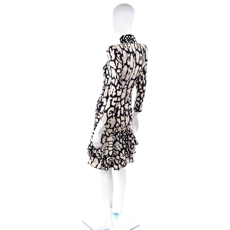 Vintage Valentino Black & White Silk Abstract Print Ruffled Dress For Sale 1