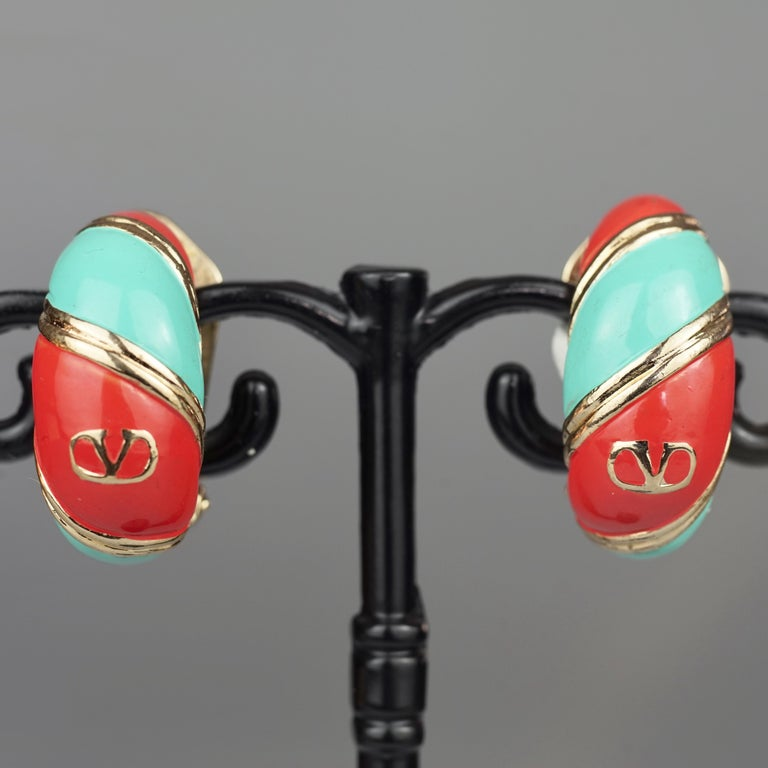 Vintage VALENTINO V Logo Enamel Earrings For Sale 2