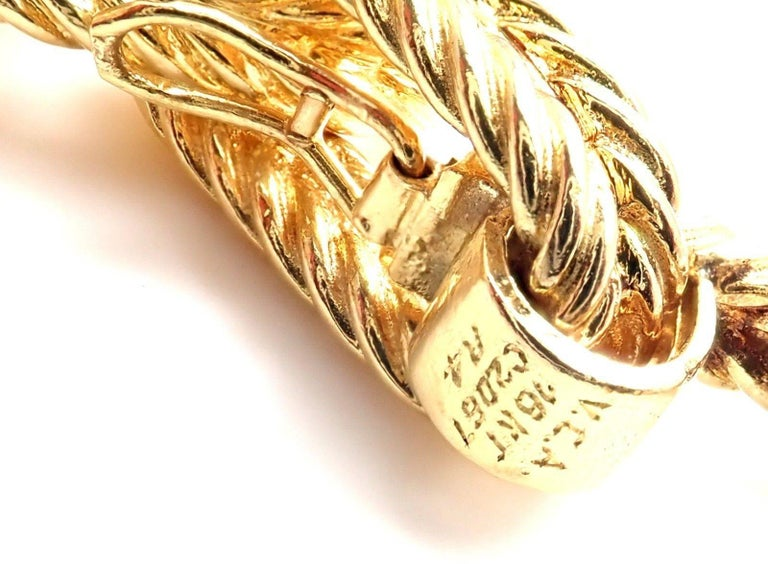 Vintage Van Cleef & Arpels Textured Yellow Gold Link Bracelet For Sale 1
