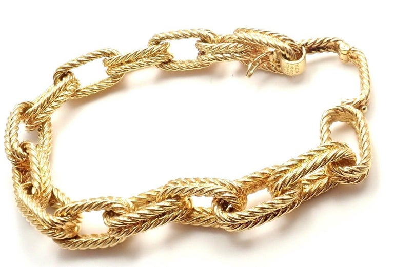 Vintage Van Cleef & Arpels Textured Yellow Gold Link Bracelet For Sale 3