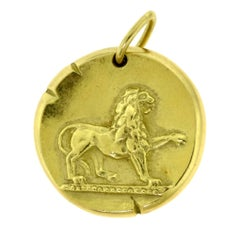Vintage Van Cleef & Arpels Yellow Gold Leo Zodiac Single Pendant