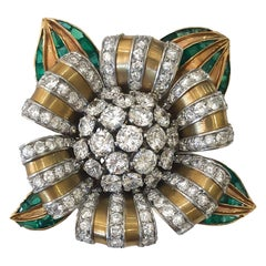Vintage Van Cleef & Arpels Diamond and Emerald Brooch 18 Karat