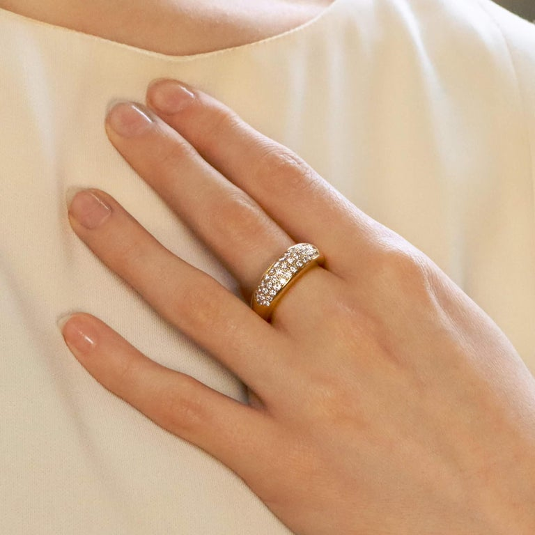Vintage Van Cleef & Arpels Diamond Band Ring Set in 18k Yellow Gold In Good Condition In London, GB