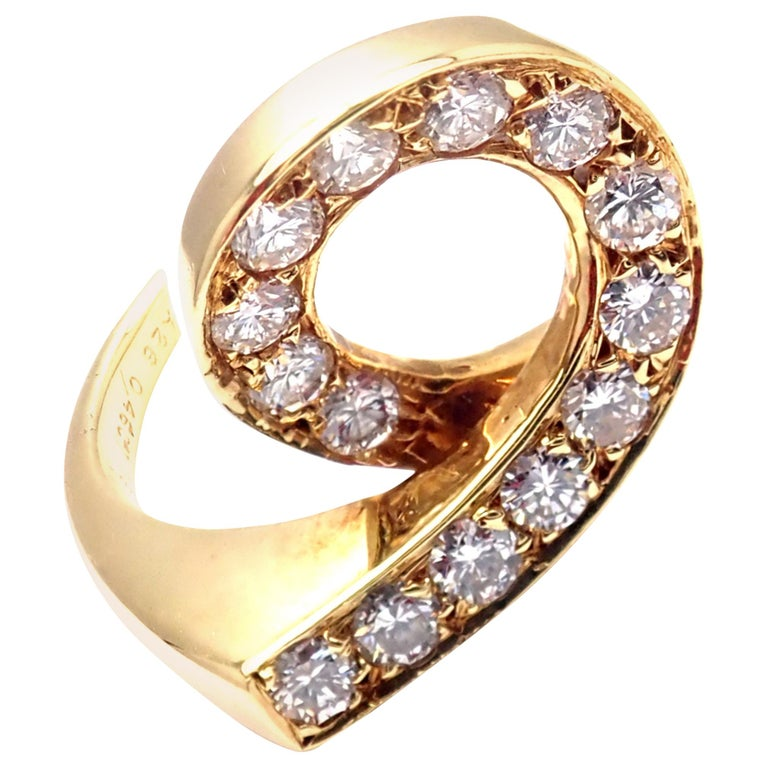 Vintage Van Cleef & Arpels Diamond Swirl Yellow Gold Band Ring For Sale
