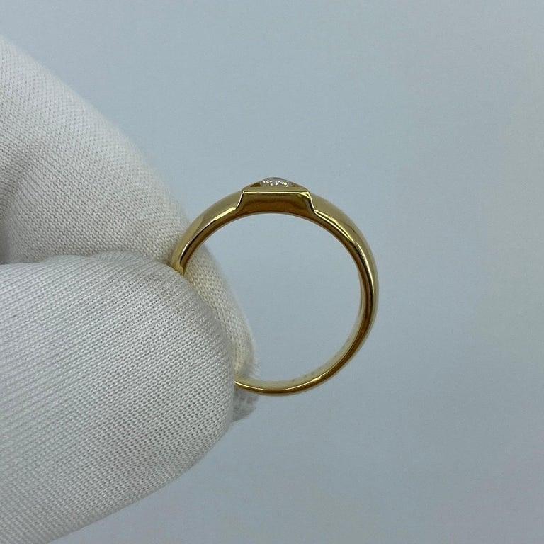 Vintage Van Cleef & Arpels Rare Diamond Triangle Motif 18 Karat Yellow Gold Ring For Sale 6