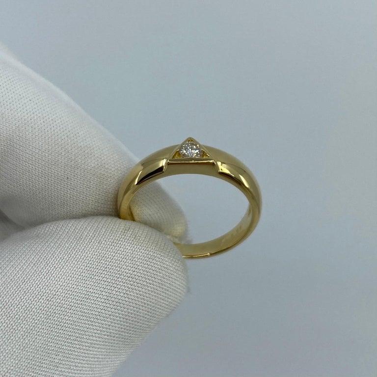 Vintage Van Cleef & Arpels Rare Diamond Triangle Motif 18 Karat Yellow Gold Ring For Sale 7