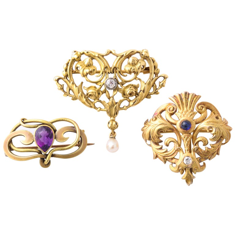 Vintage Various Art Nouveau Brooches with Gemstones For Sale