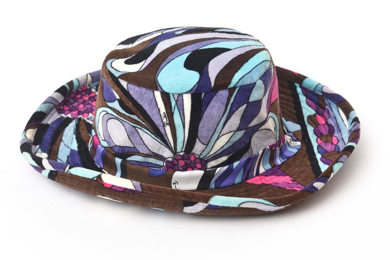 Emilio Pucci Velvet Hat Vintage In Good Condition For Sale In North Miami, FL