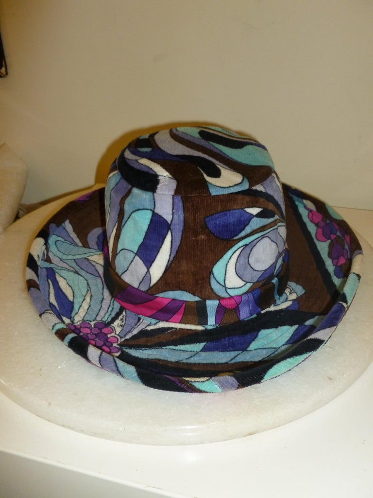 Emilio Pucci Velvet Hat Vintage For Sale 7