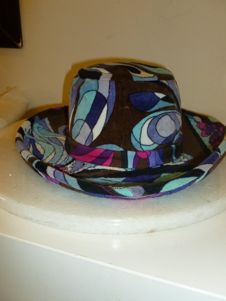 Emilio Pucci Velvet Hat Vintage For Sale 6
