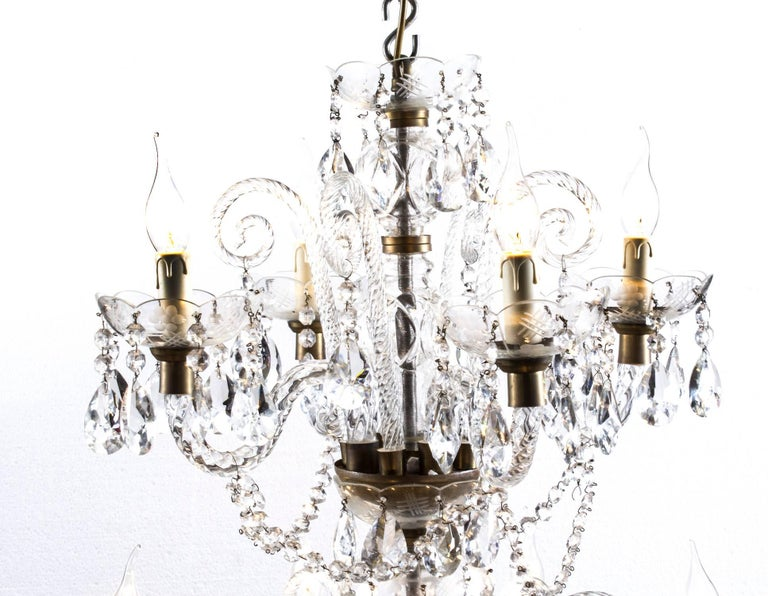 Vintage Venetian Two-Tier 12-Light Crystal Chandelier In Excellent Condition For Sale In London, GB