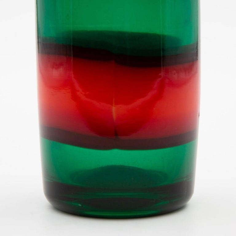 Vintage Venini Red and Green Murano Fulvio Bianconi a Fasce Mouth Blown Vase In Good Condition For Sale In Brussels, BE
