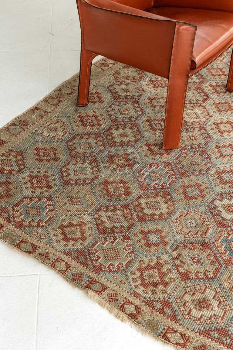 Vintage Verneh Flat-Weave Kilim Rug For Sale 4