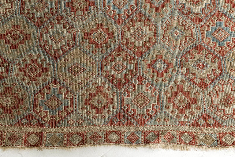 Vintage Verneh Flat-Weave Kilim Rug In Good Condition For Sale In WEST HOLLYWOOD, CA