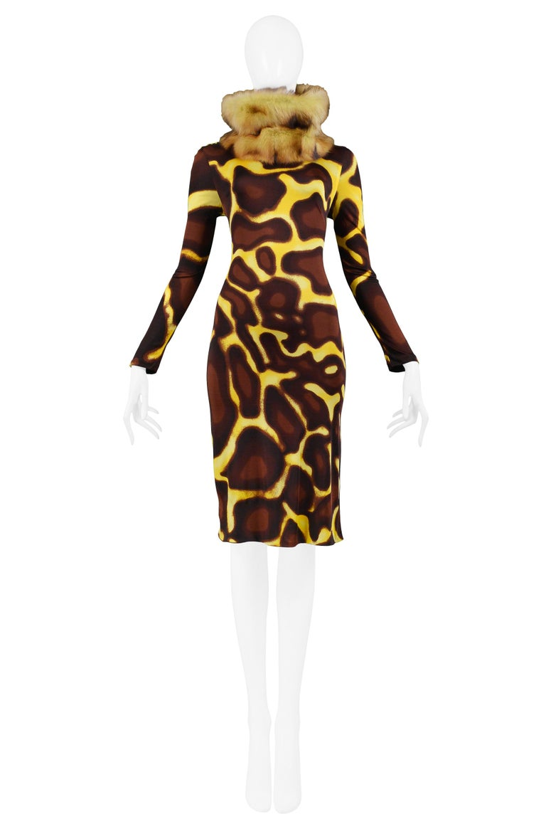 Vintage Versace chestnut brown and banana yellow giraffe print turtleneck long-sleeved dress featuring a removable tan and brown fur collar and center back zipper and gemstone button closure.  Excellent Vintage Condition  Size: 40  Measurements: