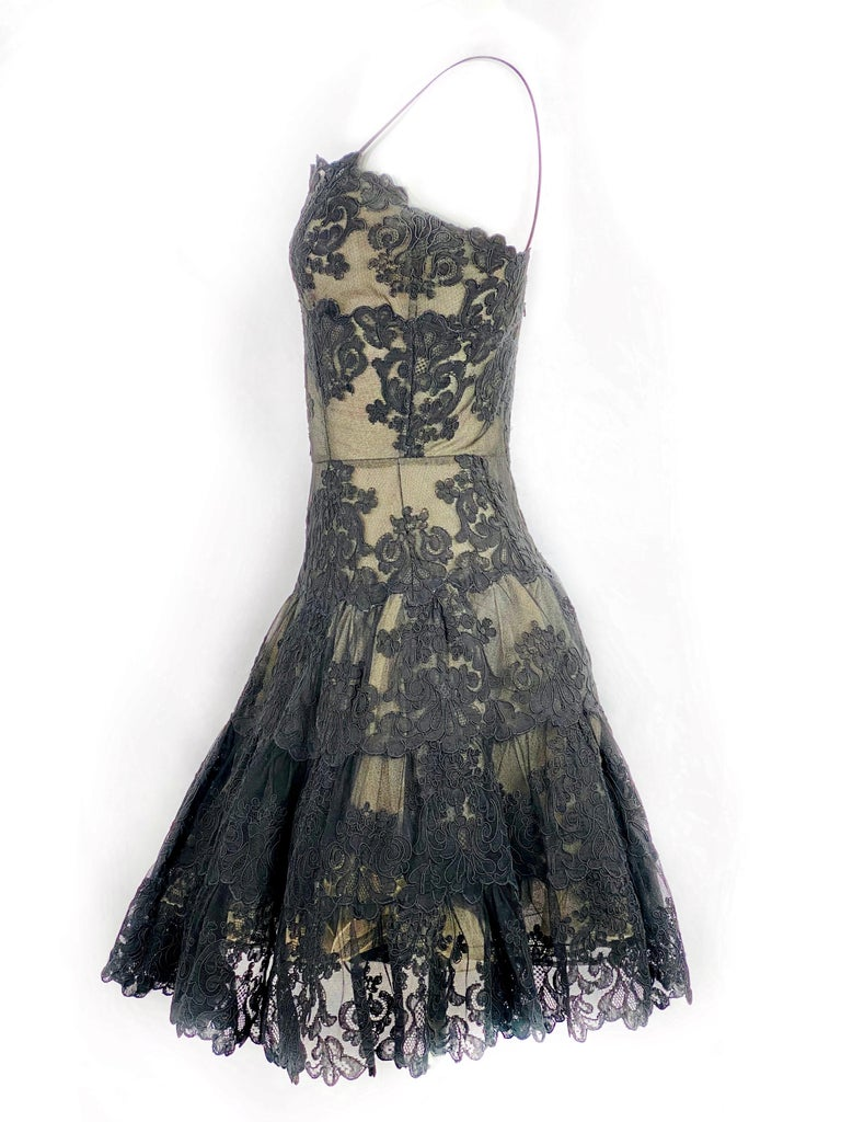 Women's Vintage VICKY TIEL Couture Paris Black Floral Lace Sleeveless Mini Dress Size S For Sale