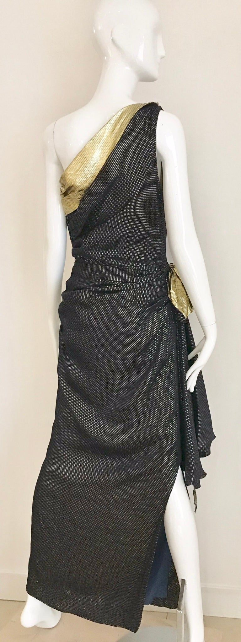 Vintage Vicky Tiel Navy Blue and Gold Silk Lamé One Shoulder Gown For Sale 7