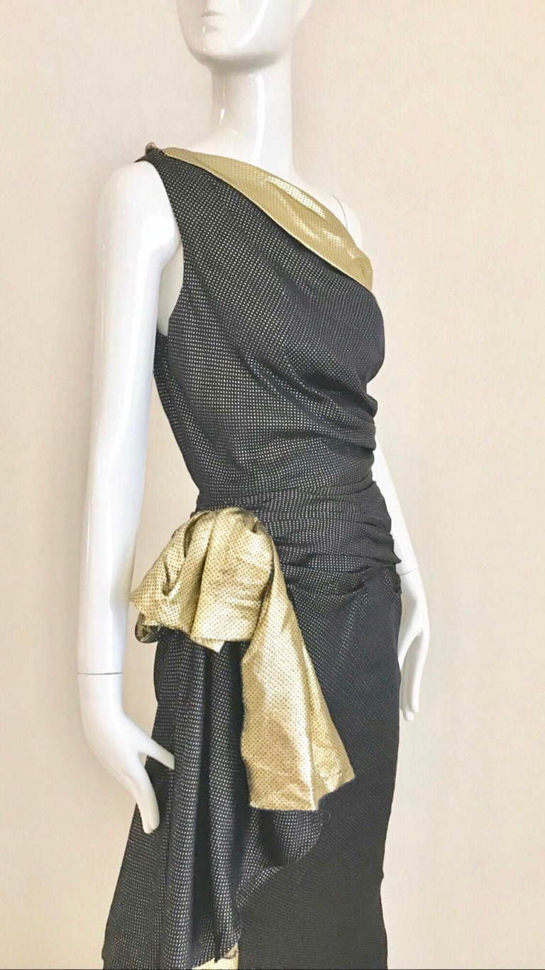 Vintage Vicky Tiel Navy Blue and Gold Silk Lamé One Shoulder Gown For Sale 4