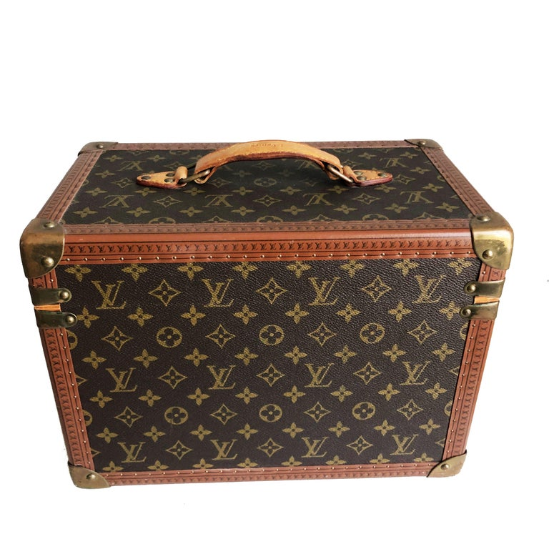 Women's or Men's Louis Vuitton Boite Pharmacie Monogram Train Case Vanity Travel Bag Vintage 80s  For Sale